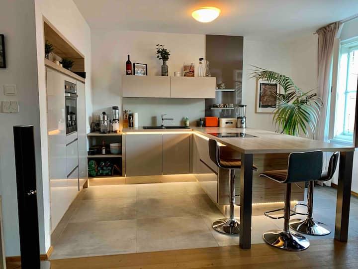 Helles & Modernes Apartment im Herzen Salzburg's
