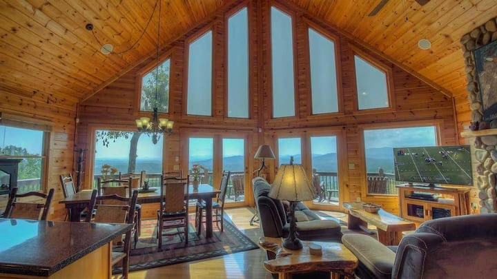 Mountain View Lodge- Great Views | Screened Porch with Fireplace | Hot Tub
