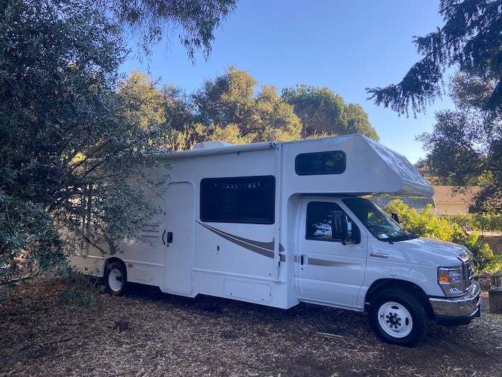 30 Ft Thor Majestic RV on our homestead
