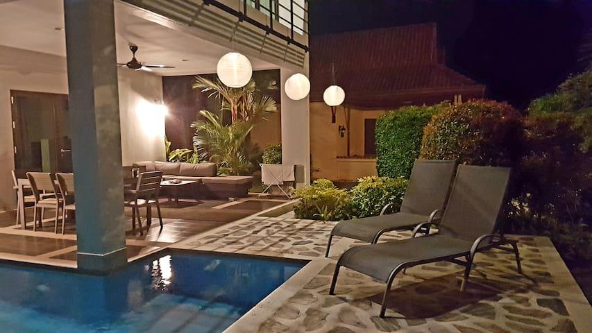 Pool villa in Seabreeze residence, Laem Mae Phim