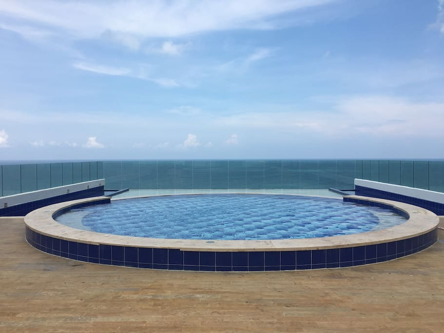 15th Floor Pool to the ocean
