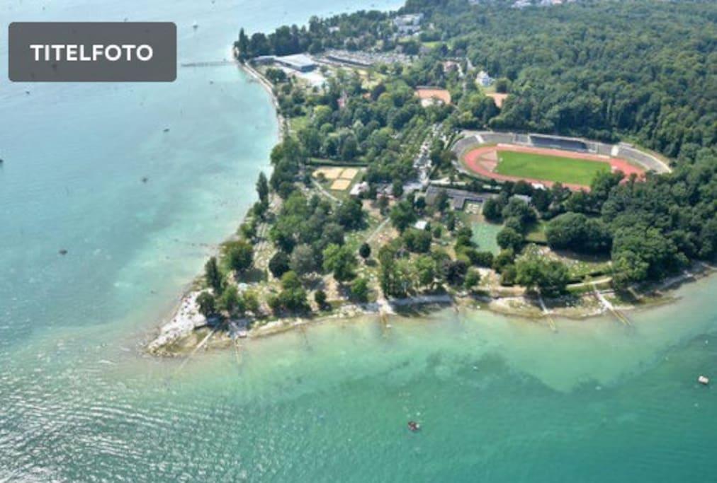 """Das """"Hörnle"""", kostenloses Seebad und Park"""