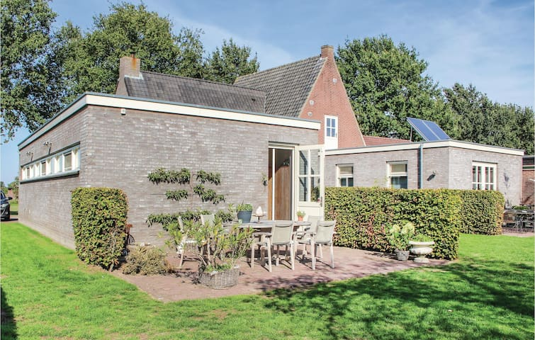 Holiday cottage with 2 bedrooms on 70m² in Dongen