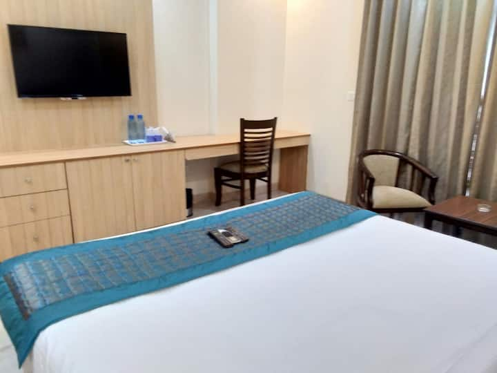 BnB for Work near Huda Metro Station