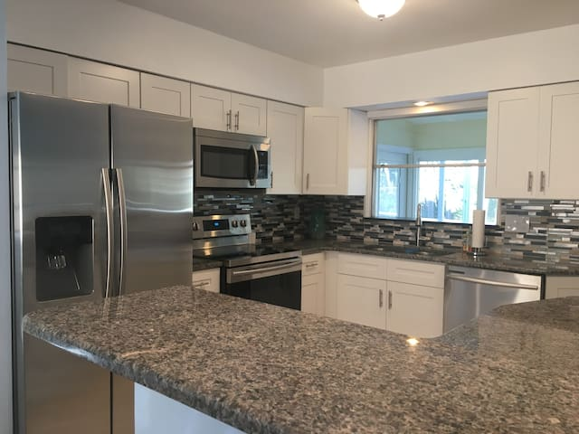 It's A Catch! With pool & close to the beach