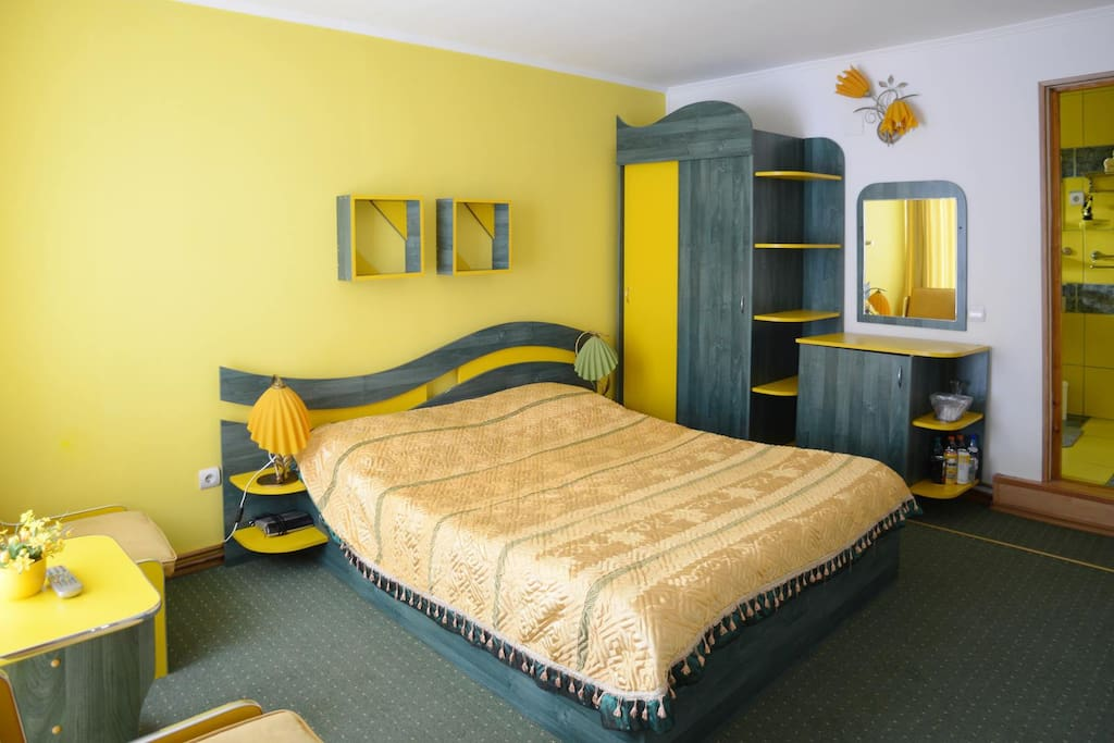 Super cozy Yellow Double Bed :-)