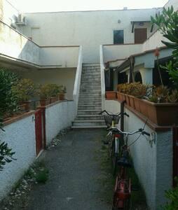 CASETTA AL VILLAGGIO DEL GOLFO - House