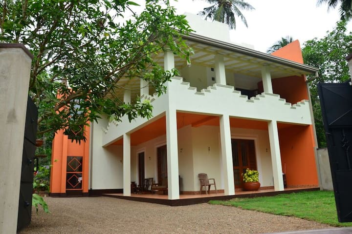 Villa Nilan Hikkaduwa