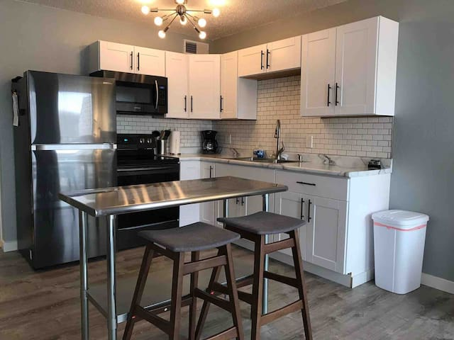 Modern and Marvelous Condo - 1B/1BA - Osage Beach