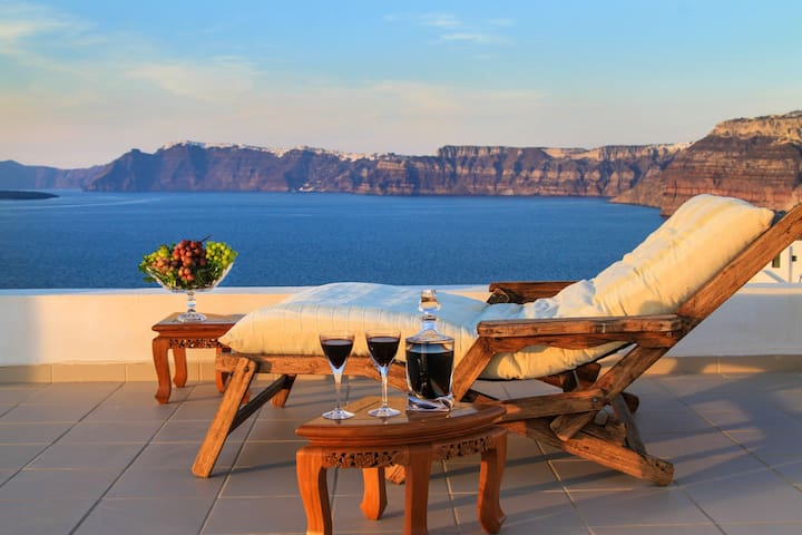 Alba Residence with Volcano View - Santorini - House