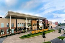 Nearby: Mitsui Outlet Park KLIA (pic from Google Image)