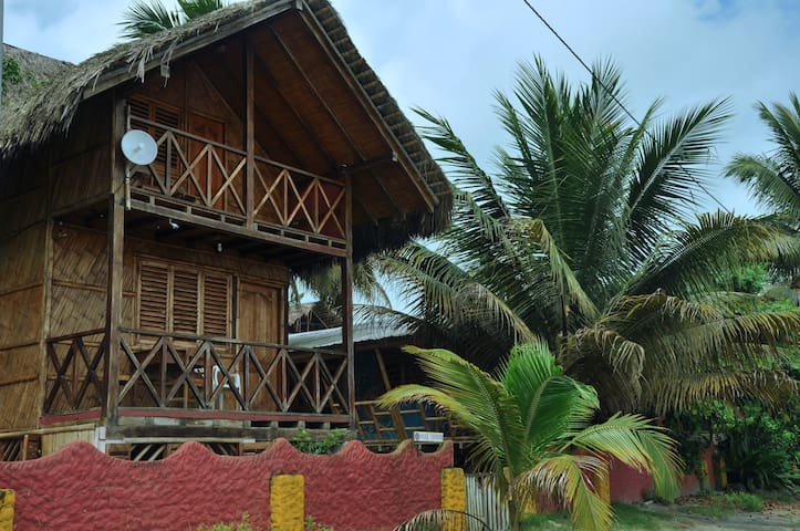 Casa Banana - 2 floor Beachfront Cabin