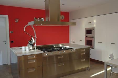 Live in Loft - Carmignano - Huis