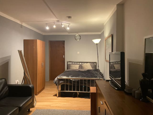 Cosy Studio - 10 minutes from Central London!