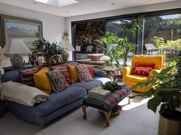 Beautiful 3 Bedroom Garden Flat