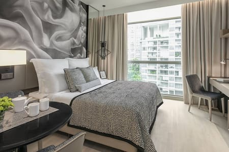Spacious Studio apartment, on Orchard Road