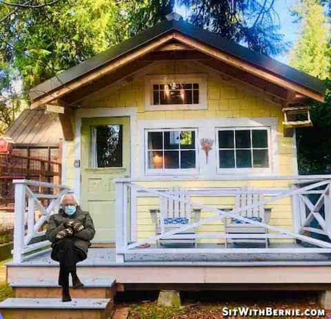 Charming Tiny House * Private Lake Access * Wifi