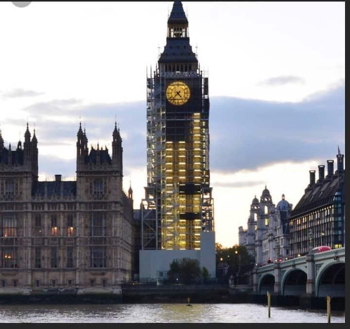 Big Ben/ London Eye Apartment