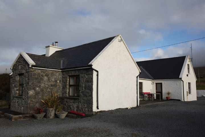 Atlantic Coast Room with breakfast - County Clare - Hus