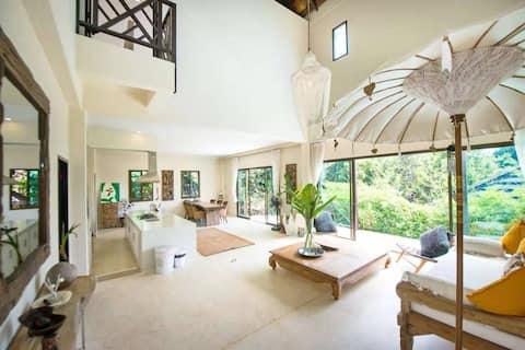 Teak Hill Pool Villa - Rosewood