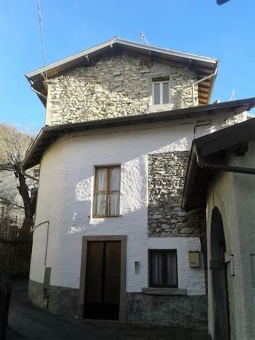 casa con vista a Blessagno