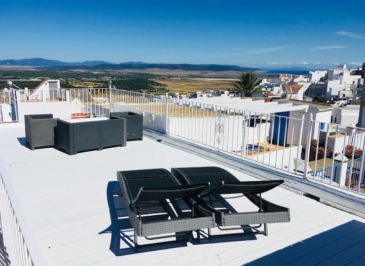 Flat in Vejer with Private Parking, WIFI & SeaView
