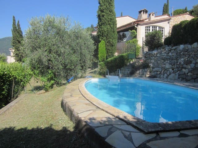 Quiet villa with swimming pool 180° vue to the sea