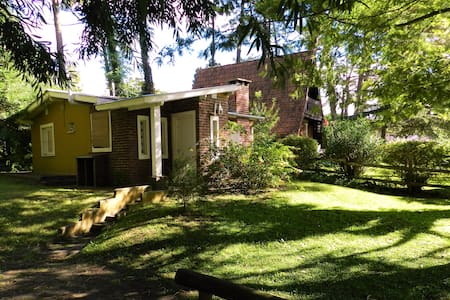 Casa confortable y gran parque en Valeria del Mar - Valeria del Mar - Haus