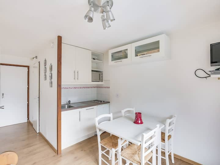 Nice 2 rooms renovated apartment for 4 in a residence with swimming pool close to the funicular in Bourg Saint Maurice
