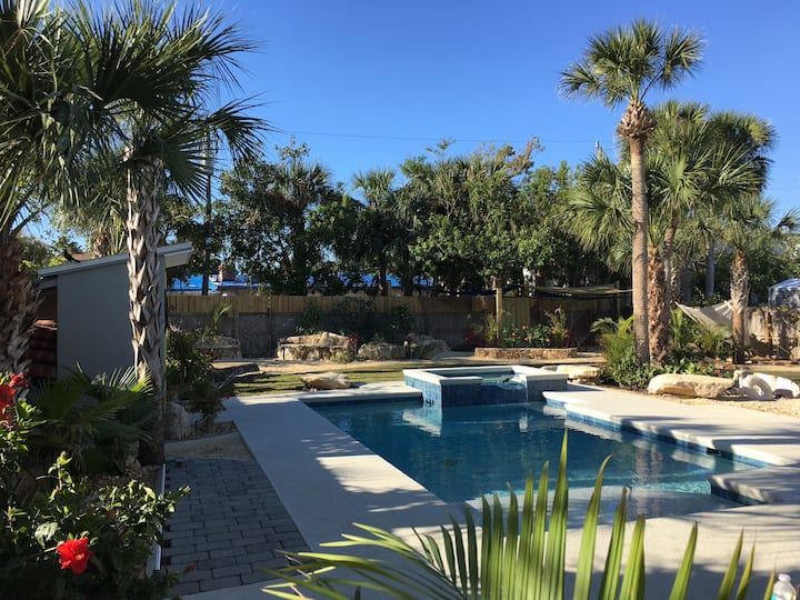 Exceptional! Private Oasis w/Pool, Spa, Beach