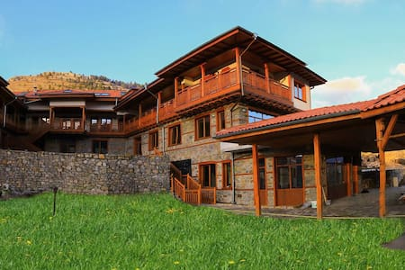 "Hotel ""Mursal"" - Double room ""Silivryak"" - Yagodina - Bed & Breakfast"