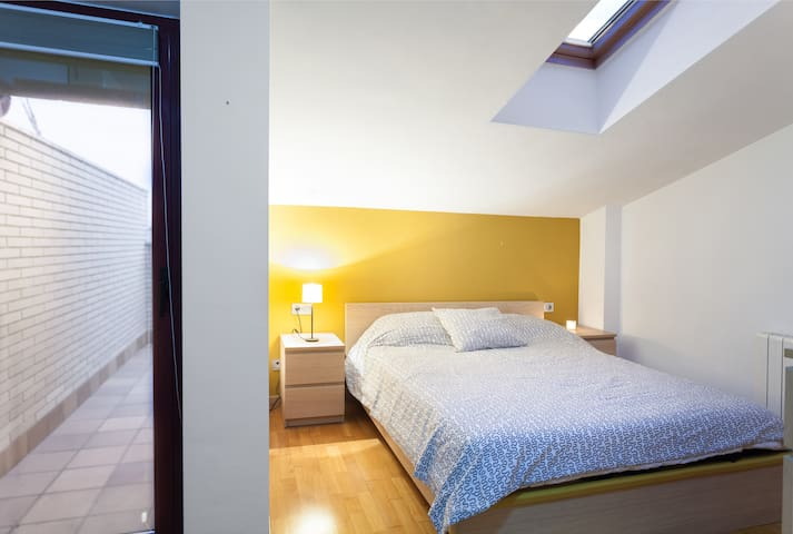 Double room in duplex 40 'from Barcelona. - Granollers - Apartament