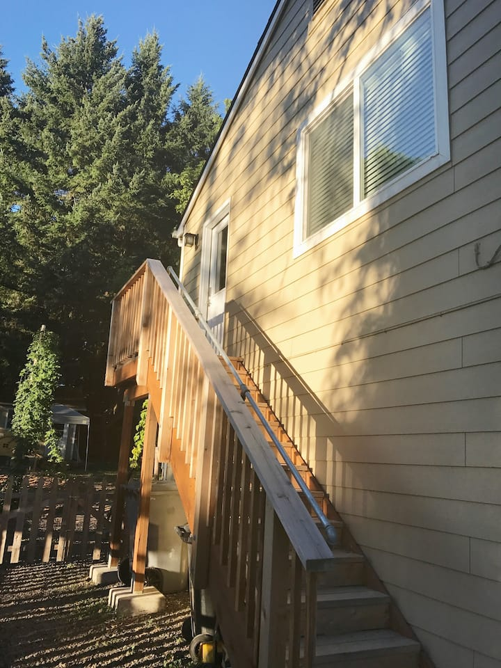 Amazing 2 bedroom only 2.5 blocks to Reser/OSU