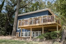 Private Compound on Lake Hamilton for Lg Groups