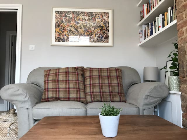 Lounge area with solid oak coffee table