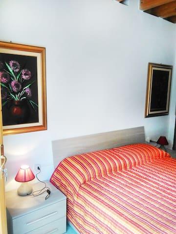 Cozy modern Room - CIR 017102-CNI-00230