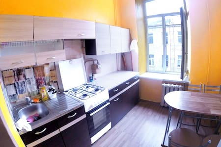 SMALL DOUBLE ROOM next to station +FREE BREAKFAST - Vilnius