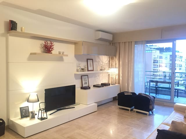 New Apartment, balcony, garage in Monaco - Beausoleil - Rumah