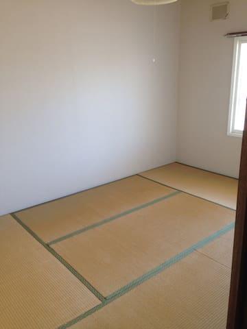 和室6畳お貸しします!(寝具はありません)
