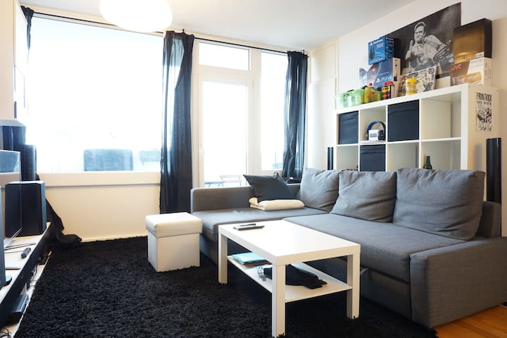 Smart Apartment: Live above Munich & next to Isar