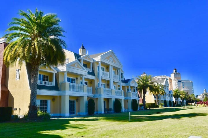 Stay at Orlandos´s finest Golf Resort