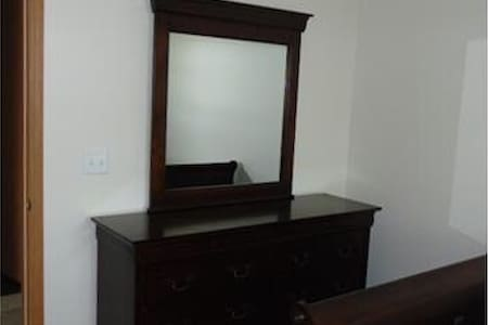 Fully Furnished Apartment 2b/2baths - Saint Clairsville - Apartment