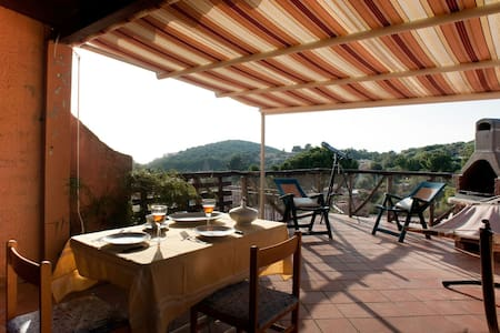 Lovely cottage with sea-view terrace in Sardinia - Geremeas - Villa