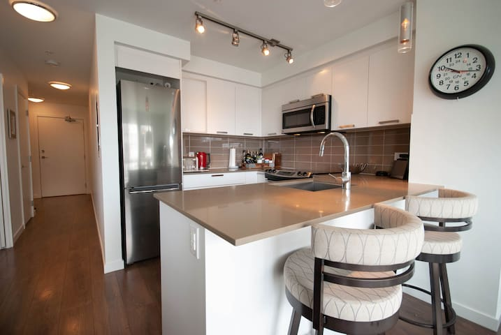 Bright 1Bed/1Bath Condo in the Old Town District