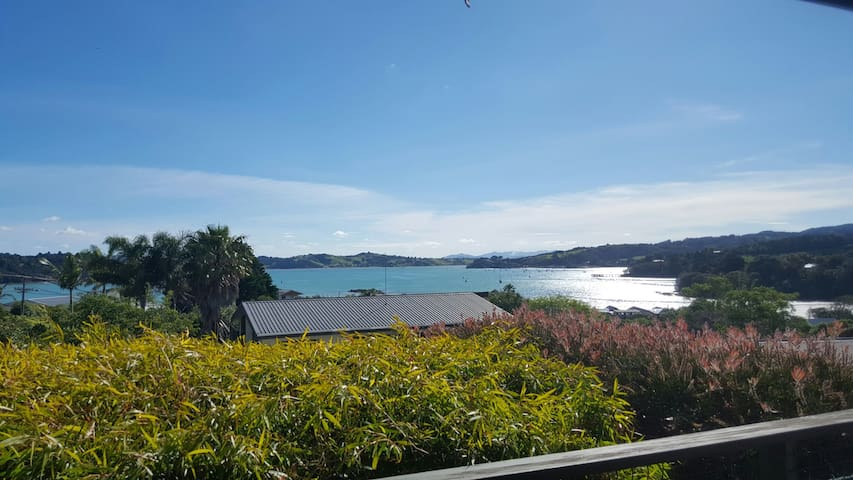 Entire place, relaxing, sea views - Parua Bay - Huis