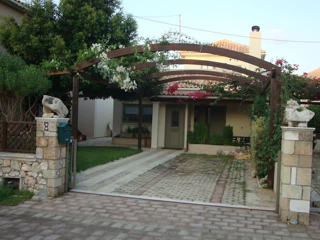 Unique Villa - Peratata - Casa de camp