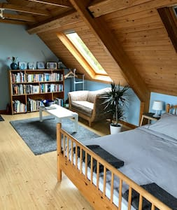 Spacious Scandi style living/bedroom with view. - Abergavenny - อพาร์ทเมนท์
