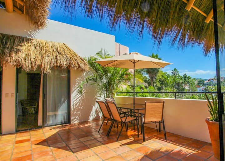 ✨Spacious Patio w/ Private Pool | 7 min to Beach✨
