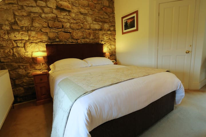 Standard Double En-suite Room (Farmhouse)