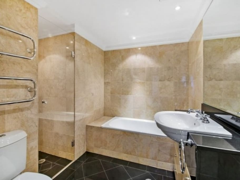 Marble Bathrooms with quality European Fixtures & Fittings